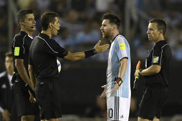 """Zé Victor Castiel: """"Responsabilidade do ídolo"""" JUAN MABROMATA / AFP/AFP"""