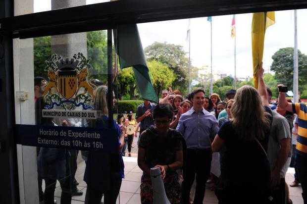 Vereadores de Caxias do Sul querem informações sobre ato em apoio ao prefeito Daniel Guerra Roni Rigon/Agencia RBS