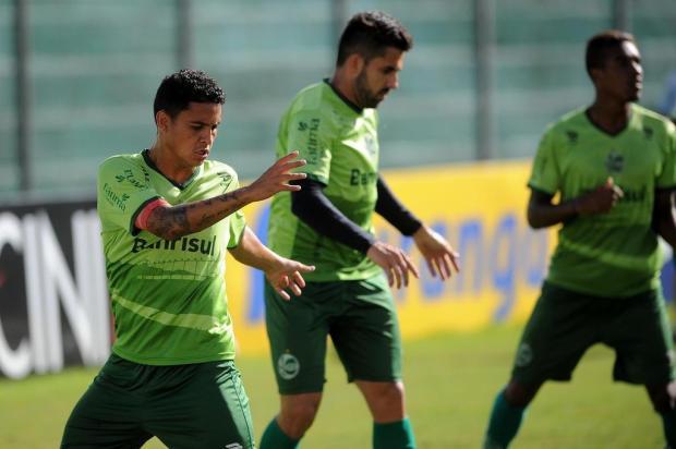 Esperança da torcida do Juventude no clássico deste domingo, lateral Pará é fundamental na bola parada Felipe Nyland/Agencia RBS