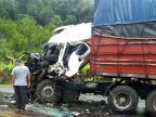 Morre motorista de caminhão envolvido em acidente na ERS-122, em Flores da Cunha Corpo de Bombeiros Voluntários de Antônio Prado / divulgação/divulgação