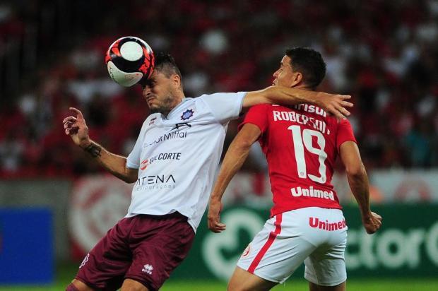 Caxias joga mal no primeiro tempo, sofre derrota, cria chances no segundo e segue vivo na semifinal Porthus Junior/Agencia RBS