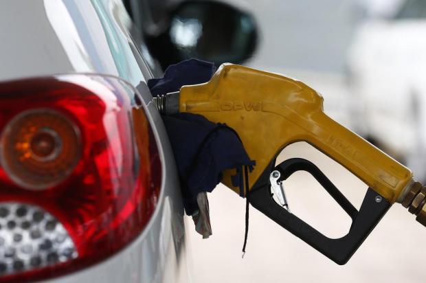 Queda no preço da gasolina chega a R$ 0,16 em Caxias Alvarélio Kurossu/Agencia RBS