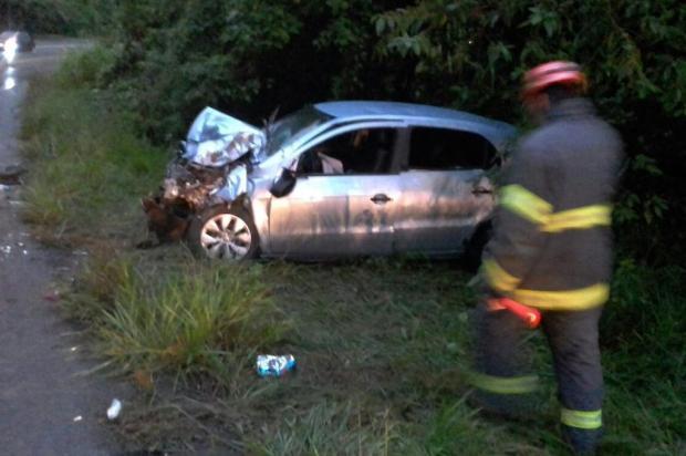 Acidente na RS-122, em São Vendelino, deixa quatro pessoas feridas Bombeiros voluntários de São Vendelino/divulgação