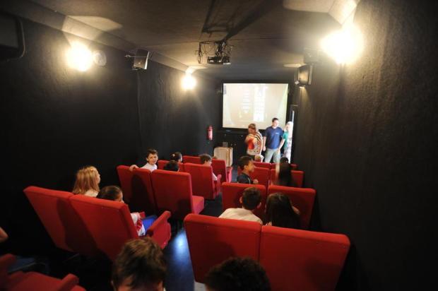 Agenda: Cinemóvel leva cinema para crianças de escolas públicas em Caxias Gilmar de Souza/Agencia RBS