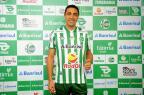 Zagueiro Lino é apresentado pelo Juventude como reforço para a Série B (Diogo Sallaberry/Agencia RBS)