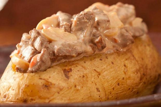 Prove batata assada com estrogonofe Nestlé/Divulgação