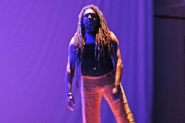 Daniel Amaro apresenta espetáculo de dança afro nesta terça, em Caxias Fernanda do Amaral/divulgação