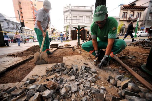 Praça Dante Alighieri, em Caxias do Sul, já está recebendo obras de revitalização Diogo Sallaberry/Agencia RBS