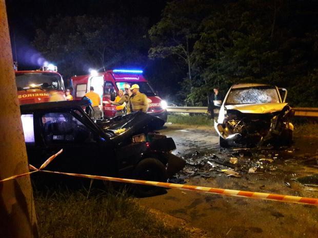 Motoristas morrem em colisão entre dois carros no Vale do Caí Brigada Militar / Divulgação/