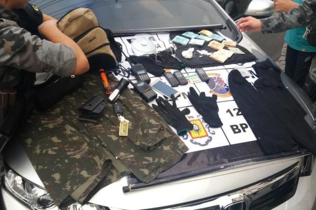Foragido é capturado com R$ 9 mil e drogas em Caxias do Sul Leonardo Lopes/Agência RBS