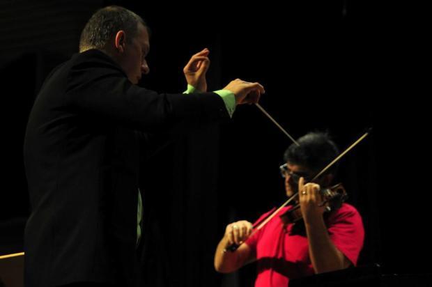 Nesta quinta tem viola e orquestra no UCS Teatro, em Caxias do Sul Marcelo Casagrande/Agencia RBS