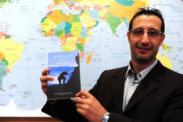 Uili Bergammín Oz lança novo livro neste sábado, em Caxias do Sul Roni Rigon/Agencia RBS