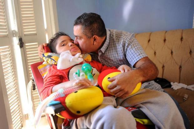 Para tratar menino com doença rara, família de Caxias promove show para arrecadar R$ 3 milhões Diogo Sallaberry/Agencia RBS
