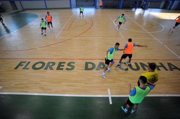 Flores da Cunha Futsal recebe a Assoeva neste sábado pela segunda rodada da Liga Gaúcha Felipe Nyland/Agencia RBS