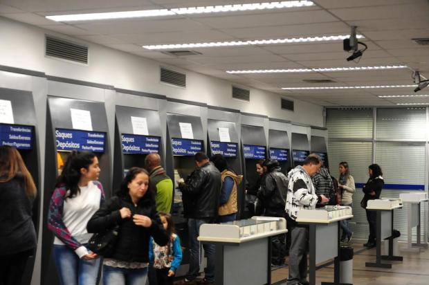 Com baixo movimento, agências da Caixa estão abertas para saque do FGTS em Caxias do Sul Roni Rigon/Agencia RBS