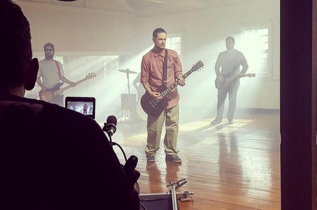 3por4: Clipe da banda gramadense Polares estreou no Multishow Plano9 Filmes/Divulgação