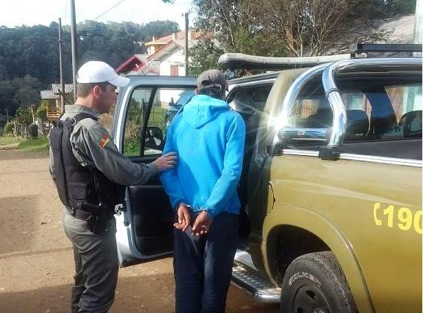 Homem suspeito de estupro em Santa Catarina é preso em Canela Brigada Militar / Divulgação/Divulgação