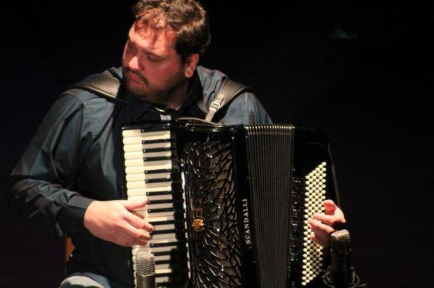 Com a bênção do mestre Sivuca, catarinense Bruno Moritz abre o 5º Tum Tum Instrumental, em Caxias Karoline Gonçalves/Divulgação