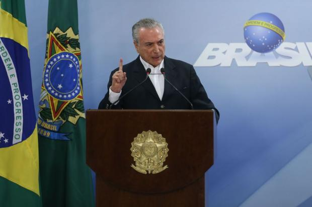 Michel Temer revida, mas abalo continua José Cruz / Agência Brasil/Agência Brasil