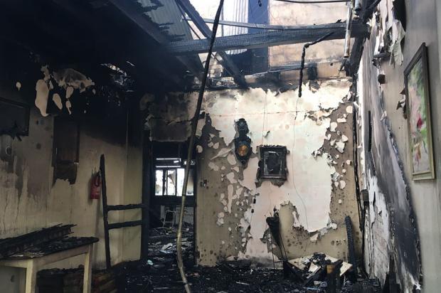 Um dia depois do incêndio que matou duas idosas em Vacaria, comunidade se mobiliza para ajudar Carolina Klóss / Agência RBS/Agência RBS