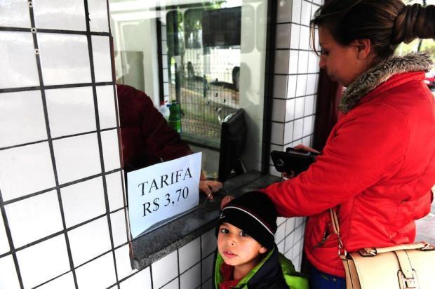 Para passageiros, aumento da passagem de ônibus deve pesar no orçamento, em Caxias Roni Rigon/Agencia RBS
