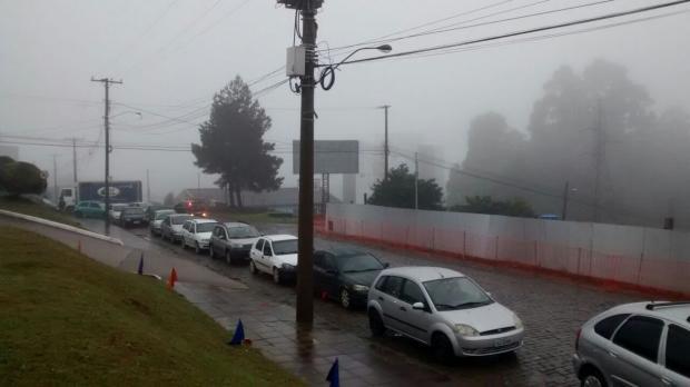Motoristas formam longa fila para abastecer a R$ 2 em Caxias do Sul Alberto Nicola / Posto SIM/Posto SIM