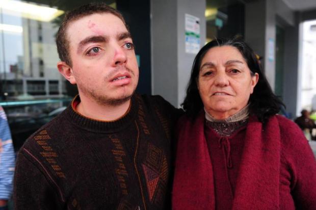 """""""Fui arrastado por uns 30 metros junto com a casa"""", diz jovem de Caxias do Sul ferido após o temporal Roni Rigon/Agencia RBS"""
