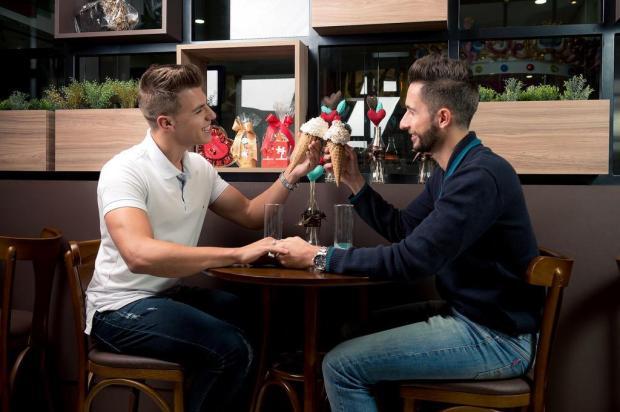 3por4: Campanha Amor em Dobro celebra mês dos namorados na Dulce Amore Fabrio Grison/Divulgação