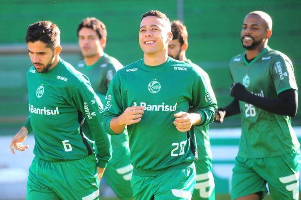 Meia-atacante Ramon celebra a boa fase do Juventude na competição Porthus Junior/Agencia RBS