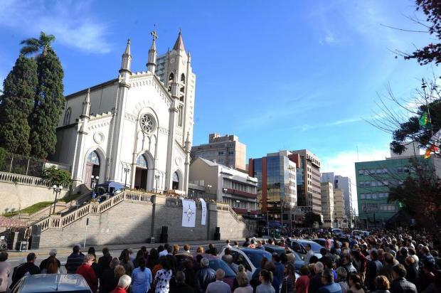 """""""A eucaristia é um mistério de amor"""", diz Dom Alessandro Ruffinoni na celebração de Corpus Christi em Caxias Felipe Nyland/Agencia RBS"""