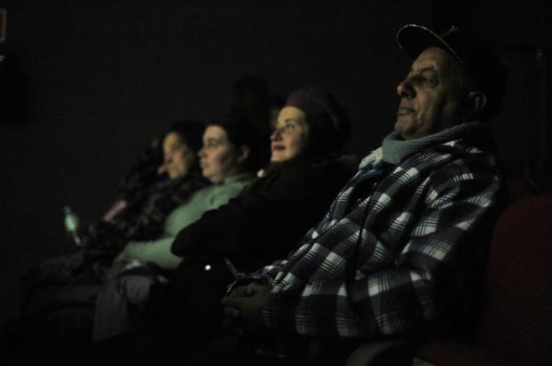 Em sessão para pacientes renais, morador de Caxias vai ao cinema pela primeira vez aos 60 anos Felipe Nyland/Agencia RBS