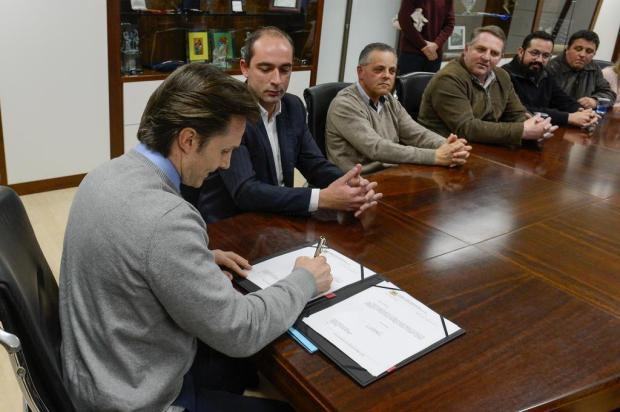 Prefeito Guerra e Beltrão sintonizados na sanção de projeto do petista Petter Campagna Kunrath/Divulgação