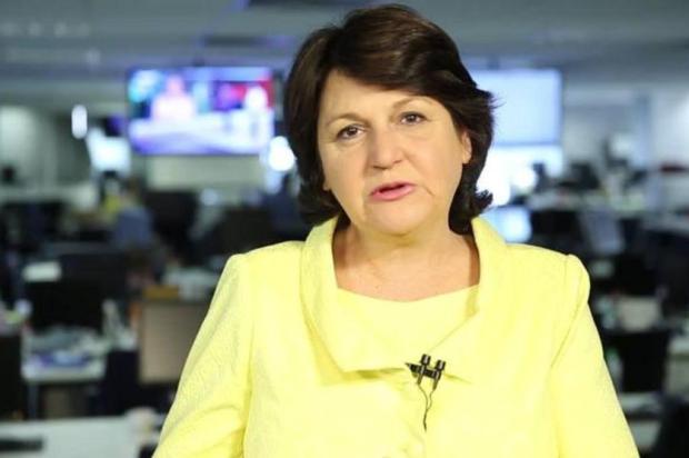 Jornalista Rosane de Oliveira fala sobre a crise política do país na FSG, em Caxias Reprodução/Agencia RBS