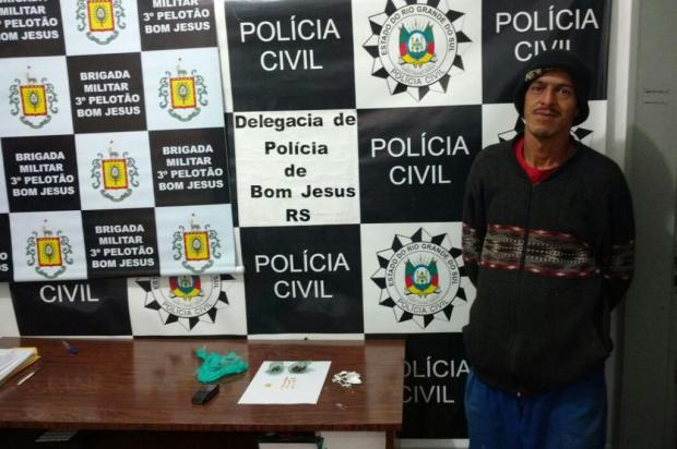 Homem é flagrado vendendo crack e maconha em Bom Jesus Polícia Civil/Divulgação