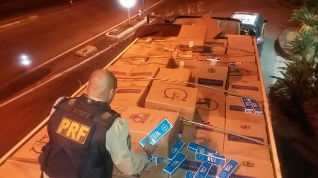 PRF apreende 280 mil carteiras de cigarro contrabandeadas em Bento Gonçalves Polícia Rodoviária Federal/Divulgação