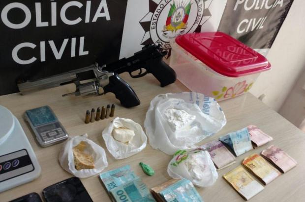 Investigado por tentativa de homicídio em Farroupilha é preso em flagrante por tráfico de drogas Polícia Civil/Divulgação