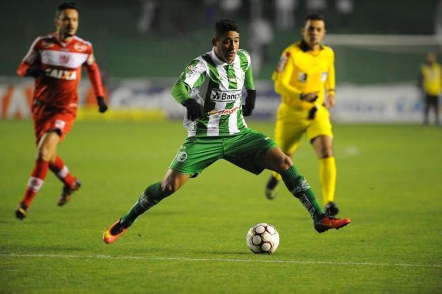 Juventude pressiona, ataca, mas fica no empate com o CRB no Jaconi Felipe Nyland/Agencia RBS