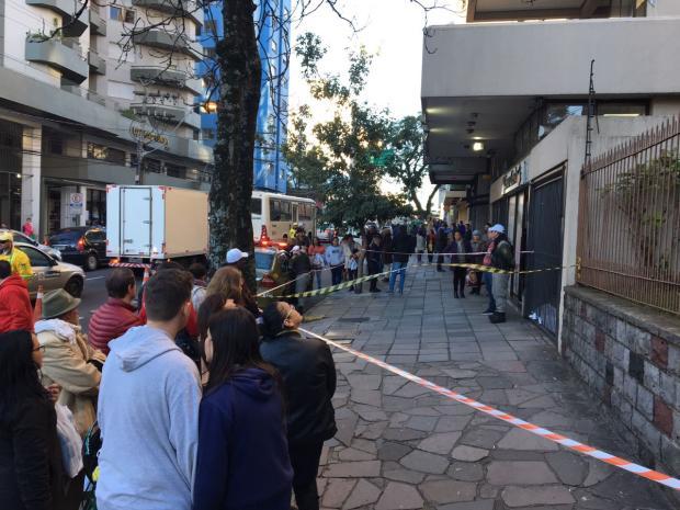 Homem morre após cair de prédio na área central de Caxias Felipe Nyland / Agencia RBS/Agencia RBS
