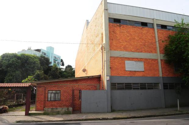 Terreno de ginásio foi devolvido, mas com moradores em Caxias do Sul Porthus Junior/Agencia RBS