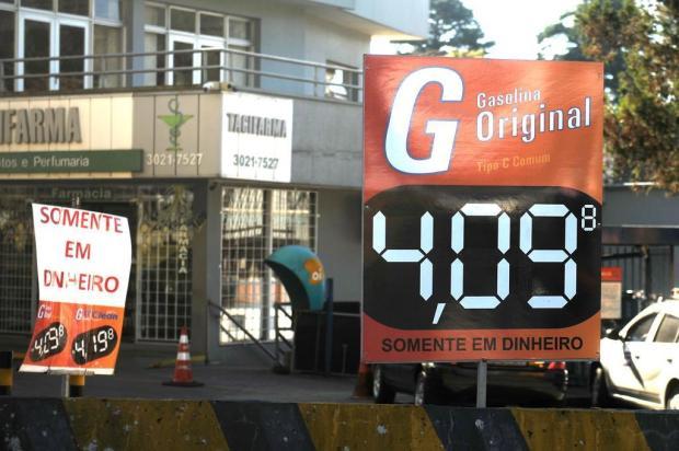 Gasolina já está mais cara nos postos de Caxias do Sul Diogo Sallaberry/Agencia RBS