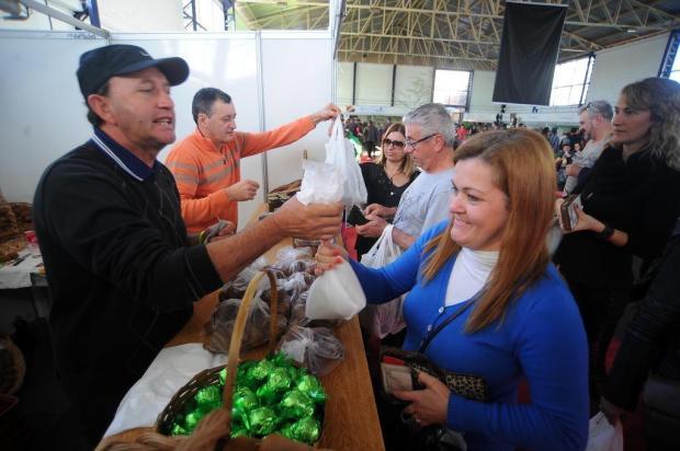 Milhares visitam Fenakiwi, em Farroupilha, na abertura da última edição da festa Felipe Nyland/Agencia RBS