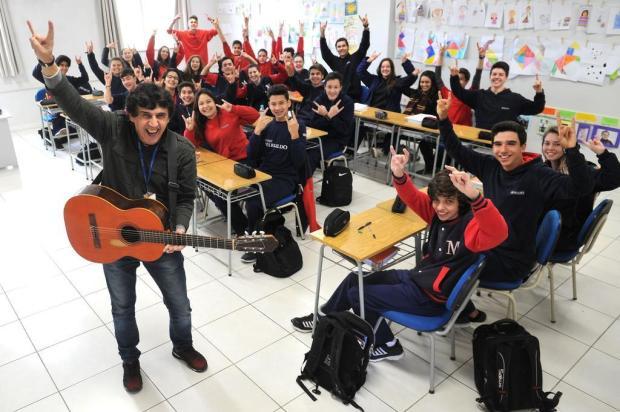 Professor de Geografia em Caxias, ex-vocalista e compositor do Barbarella comemora disco de ouro Diogo Sallaberry/Agencia RBS