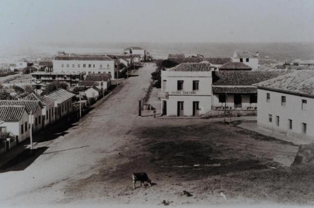 Memória: Hotel Sartori na década de 1940 Foto Feltes/Divulgação