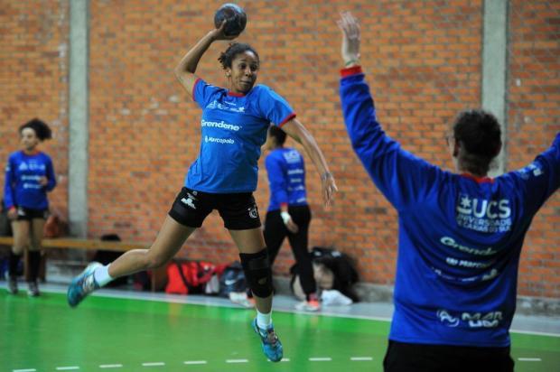 Apahand recebe o Maringá neste sábado em busca da primeira vitória na Liga Nacional feminina Felipe Nyland/Agencia RBS