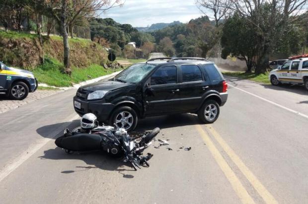Motociclista fica ferido após colisão com EcoSport em São Marcos Polícia Rodoviária Federal/Divulgação