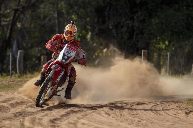 Caxiense Gregorio Caselani termina quarta etapa em segundo, mas ainda lidera Rally dos Sertões Vinicius Branca/Fotop