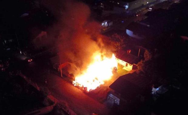 Incêndio destrói casa no bairro Serrano, em Caxias do Sul Daciano Pozzer / divulgação/divulgação
