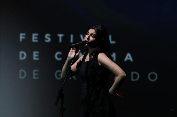 3por4:Soledad Villamil brilha no 45º Festival de Cinema de Gramado com seu talento vocal Edison Vara-  / Pressphoto/Divulgação
