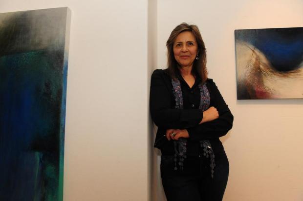 """Mádia Bertolucci abre nesta quinta exposição """"Ecologia da Linha"""" na Galeria Gerd Bornheim, em Caxias Roni Rigon/Agencia RBS"""