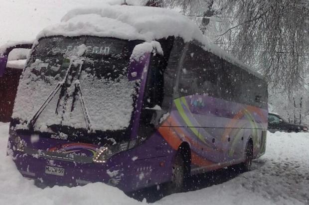 Cena curiosa: ônibus da Neobus em nevasca nesta semana no Sul do Chile neobus/divulgação
